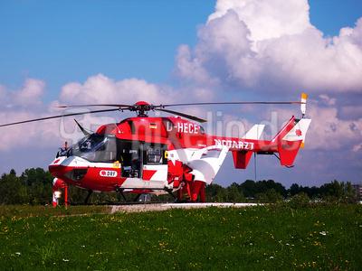 Hubschrauber rot