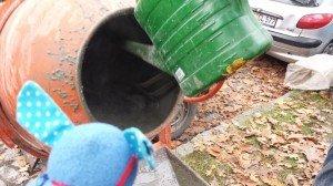 3003 4 Wasser ird in d. Mischer gegossen